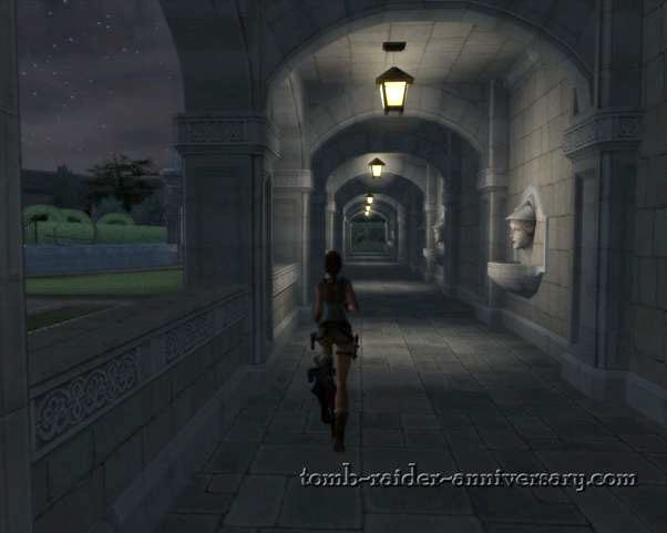 Tomb Raider Anniversary - Croft Mansion - admire the roman statues